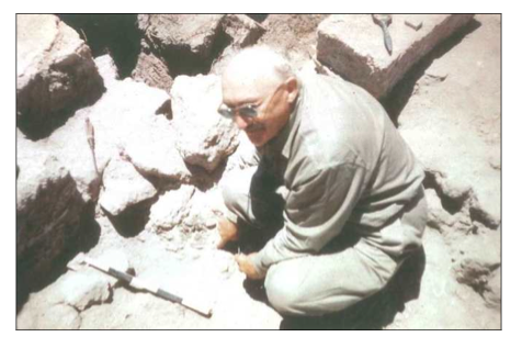 Fig. 5: Prof. Avi-Yonah in Caesarea, 1962,M. Govaars, Photographs of Caesarea Maritima, Israel, 2008, p. 11.